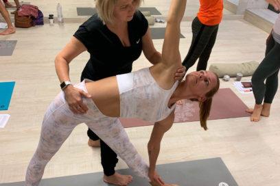 Hatha jóga gyógytornász vezetésével